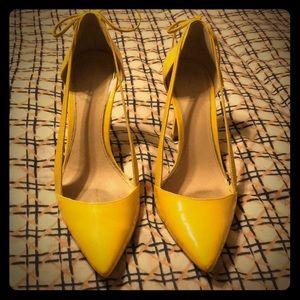 Trendy Zara Yellow Pumps with Bow Detail - Sz 9